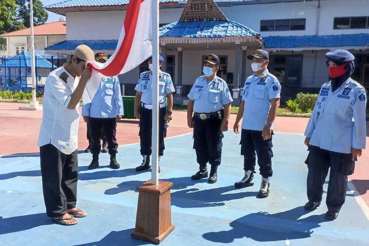 Dua Narapidana Terorisme (Napiter) menyatakan setia dan kembali kepada NKRI di Lapas Kelas II B Padang Sidempuan. Kedua Napiter tersebut, terlihat dalam aksi JAD dan Bom Polrestabes Medan.