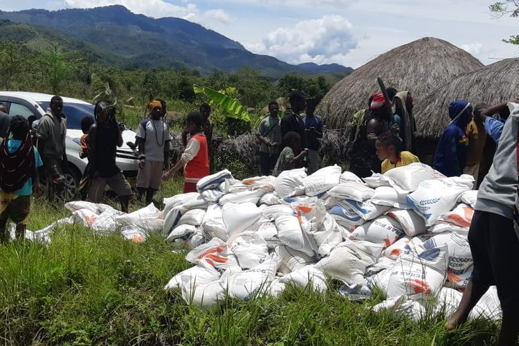 Kemensos Salurkan Bantuan untuk Pengungsi Nduga dalam 4 Tahap
