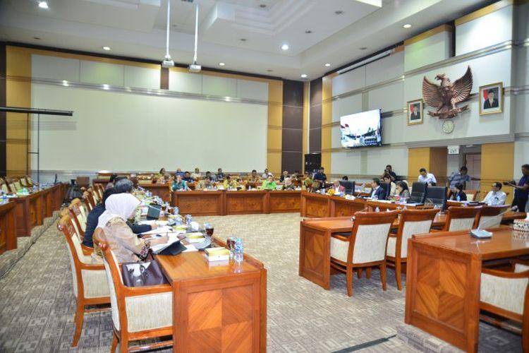 Suasana Komisi III DPR RI beraudiensi dengan Panitia Seleksi (Pansel) KPK RI