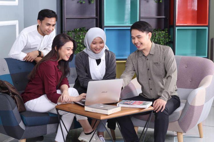 Mahasiswa dan mahasiswi di Universitas Bina Sarana Informatika (BSI).