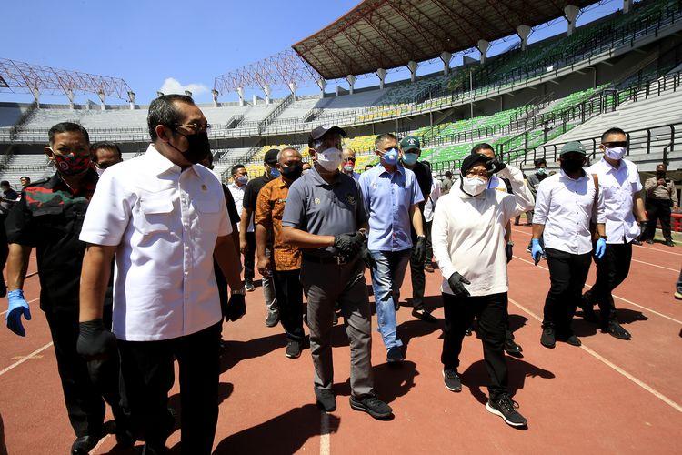 Menteri Pemuda dan Olahraga (Menpora) Republik Indonesia, Zainudin Amali dan Wakil Ketua Umum PSSI Iwan Budianto, serta Wali Kota Surabaya Tri Rismaharini meninjau langsung progres renovasi Stadion Gelora Bung Tomo (GBT), Jumat (18/9/2020).