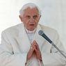 Paus Benediktus XVI Sakit Parah Usai Jenguk Kakaknya yang Meninggal