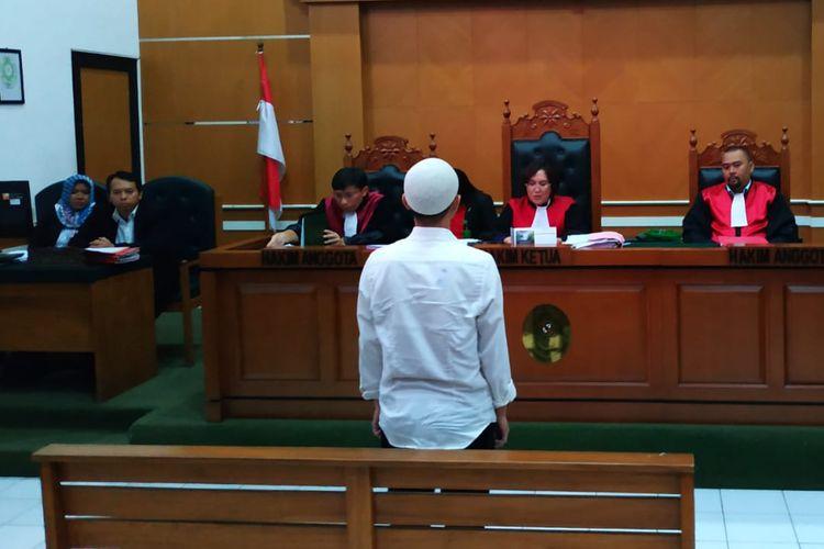 Brigadir Rangga Trianto, polisi terdakwa kasus penembakan terhadap polisi lain, Bripka Rahmat Efendy di Polsek Cimanggis 26 Juli 2019 lalu, menghadapi vonis majelis hakim Pengadilan Negeri Depok, Rabu (26/2/2020).