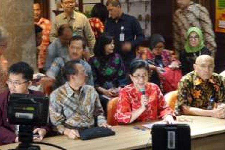 Jumpa pers Menteri Kesehatan Nila F Moeloek di Gedung Kementerian Kesehatan RI, Kuningan, Jakarta, Selasa (19/7/2016).