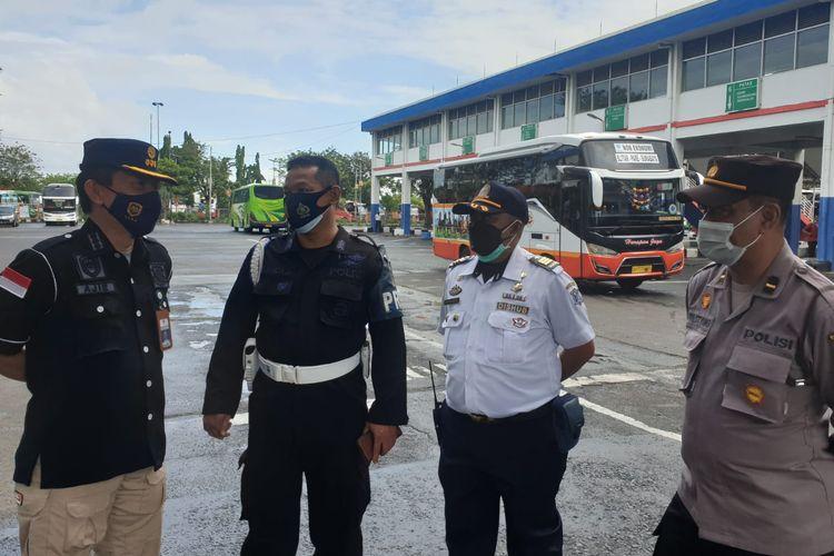 Tim Dalops Hubdat temukan awak bus AKAP beroperasi tak sesuai aturan PPKM Darurat