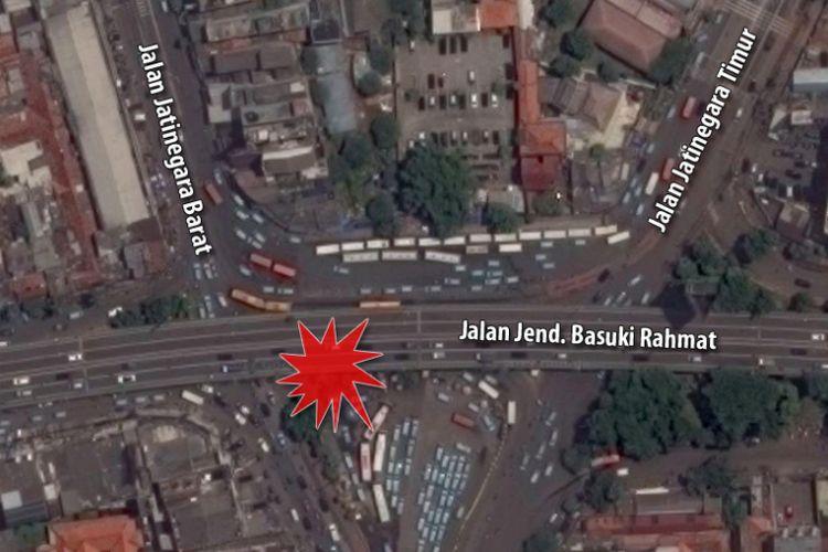 Lokasi ledakan di dekat Terminal Bus Kampung Melayu, Jakarta Timur, Rabu (24/5/2017) malam.