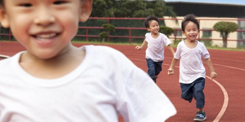 Ilustrasi anak berlari