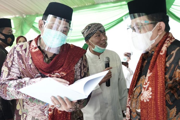 Wamenag Zainut Tauhid Sa?adi saat melakukan rapat terbatas terkait mitigasi pencegahan penyebaran Covid-19 di satuan pendidikan islam.