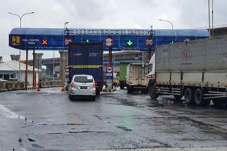 Gerbang Tpl (GT) Cibitung Jalan Tol Cibitung-Cilincing.