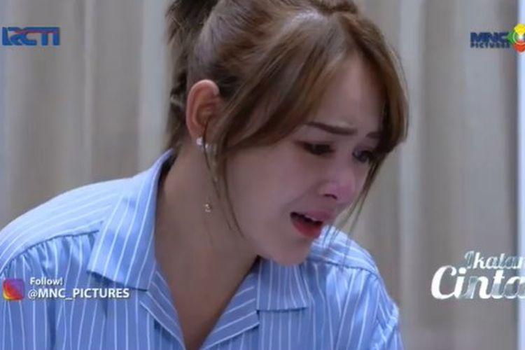 Andin (Amanda Manopo) menangis di cuplikan tayangan Ikatan Cinta 27 April.