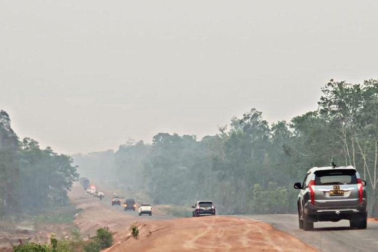 Kondisi jalan di perbatasan Indonesia-Papua Nugini.