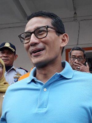 Sandiaga Uno saat menghadiri uji coba interent berbasis 5G dari XL Axiata di Taman Fatahillah, Jakarta Barat pada Senin (20/8/2018).