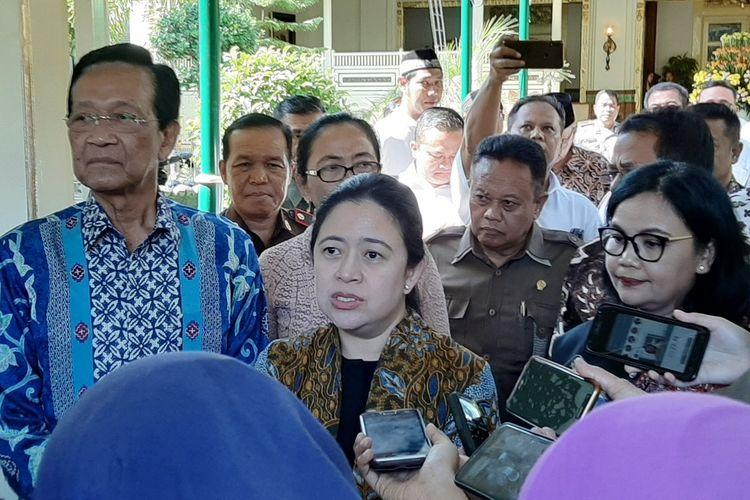 DIY - Ketua DPR Puan Maharani, saat menemui wartawan usai melakukan pertemuan dengan Gubernur DIY Sri Sultan HB X.
