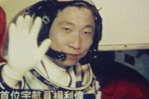 Astronot China Dikejutkan Suara Mengetuk di Angkasa Luar