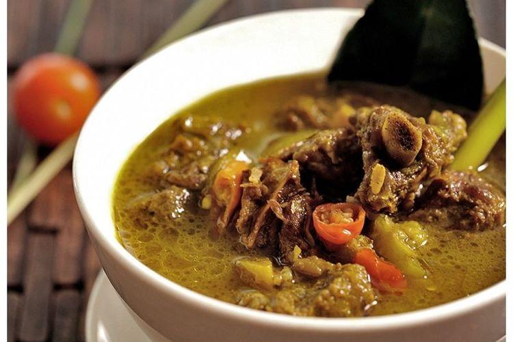 Sup Iga Asam Pedas di Nyiur Resto.