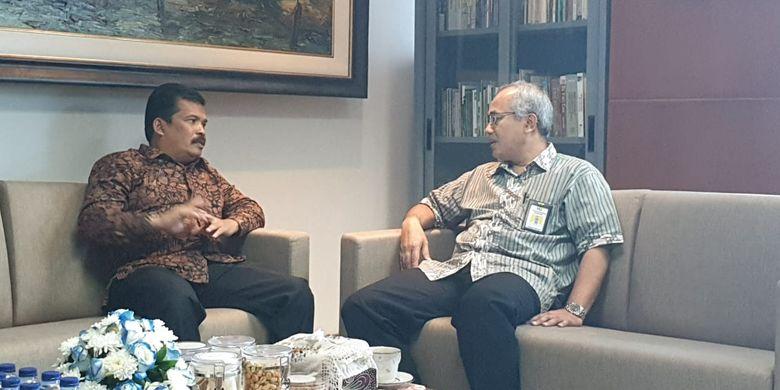 Walikota Langsa Usman Abdullah saat audiensi dengan Sekretaris Direktorat Jenderal Penyediaan Perumahan Dadang Rukmana di kantornya, Jumat (28/6/2019).