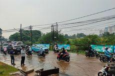 Hujan Deras, Jalan di Depan Kompleks Pemkot Tangsel Tergenang Air