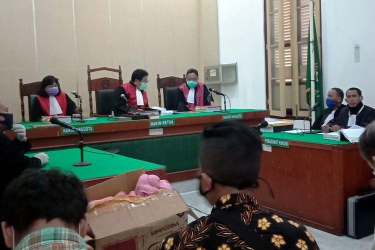 Sidang virtual perkara pembunuhan hakim di PN Medan diketuai Majelis Hakim Erintuah Damanik,  Jumat (17/4/2020)