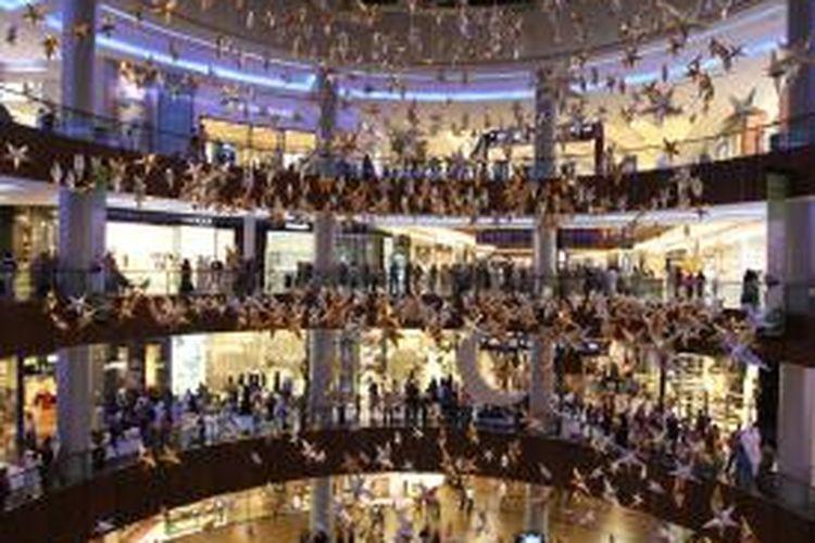 Sejak dibuka, hingga kini, The Dubai Mall menjadi destinasi wisata belanja yang paling banyak dikunjungi. Tahun 2012 tercatat 65 juta pengunjung datang ke mari.