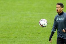 Patrick Kluivert Dukung Transfer Sang Anak ke AS Roma