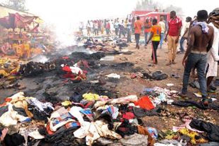 Ledakan ganda bom mobil di Nigeria, Selasa (20/5/2014), menewaskan tak kurang dari 118 orang.