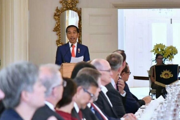 Presiden Joko Widodo menyampaikan sambutan atas lawatannya ke Australia dalam acara santap siang bersama para pejabat pemerintah Australia