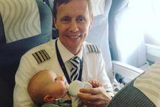 Pilot Maskapai Finnair Bantu Penumpang Beri Makan Bayinya