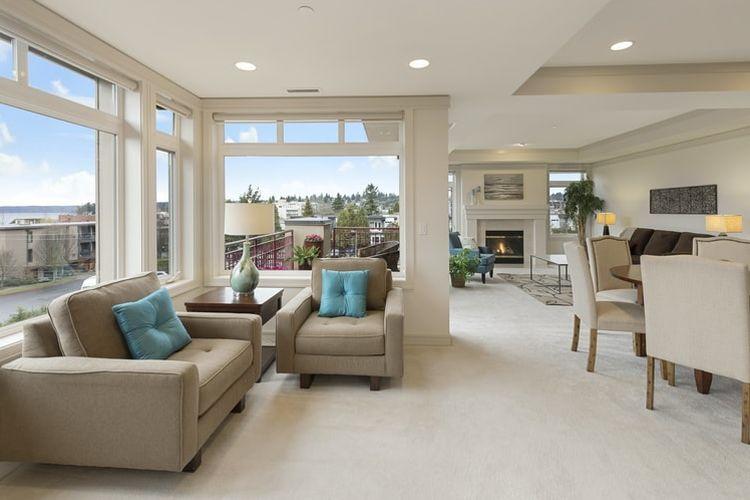 Ilustrasi rumah dengan banyak pencahayaan alami
