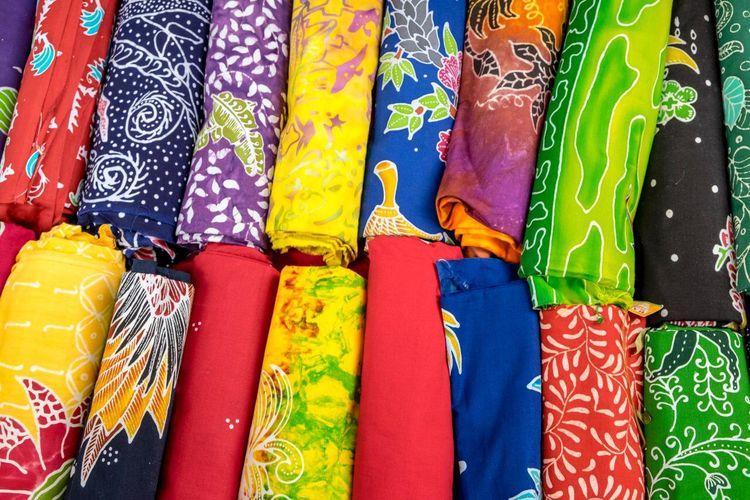 Ilustrasi kain untuk Gerakan Masker Kain, ajak desainer lokal produksi 100.000 masker kain.