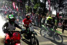 Dasar Hukum Dilarang Mengendarai Motor Trail Kompetisi di Jalan Raya