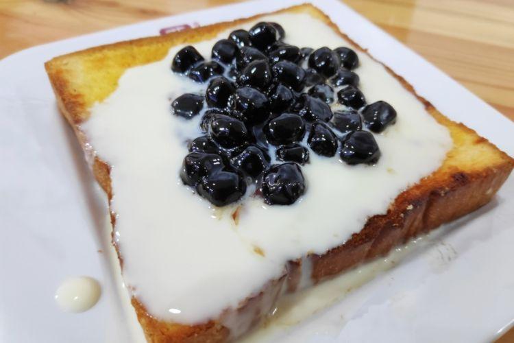 Boba cheese toast dari Ya Kun Kaya Toast.