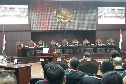 Hakim MK Minta Kuasa Hukum Tak Pengaruhi Keterangan Saksi dalam Sidang