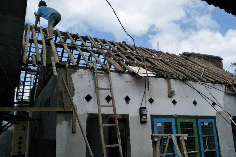 Salah satu korban gempa bumi di Kota Mataram yang mendapatkan bantuan perbaikan rumah melalui program pemugaran rumah tidak layak huni (RTLH).