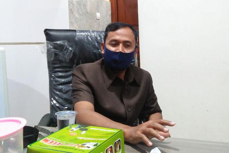 Ketua Badan Kehormatan DPRD Gresik Fakih Usman, saat memberikan keterangan kepada awak media.