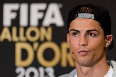 Cristiano Ronaldo Raih FIFA Ballon d'Or 2013