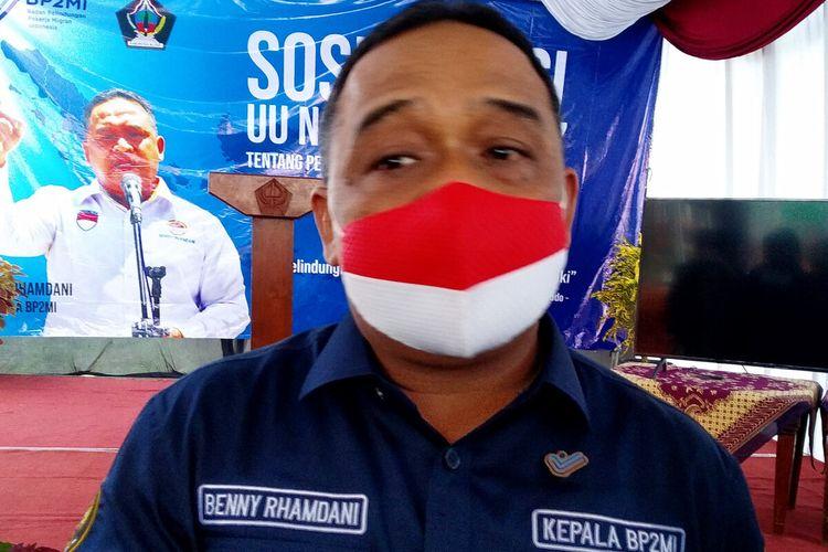 Kepala BP2MI Benny Ramdhani berbicara dengan wartawan di Blitar, Jumat (19/3/2021), usai kegiatan sosialisasi UU No 18 Tahun 2017 tentang Perlindungan PMI.