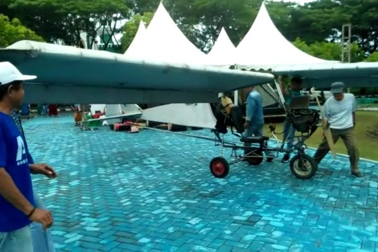 Pesawat Buatan Montir Motor Dipamerkan Perayaan Hut Kabupaten Pinrang Ke-60