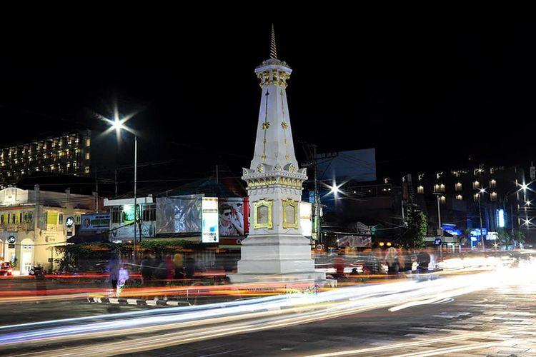 Tugu Yogyakarta (Tugu Jogja) di Malam Hari.