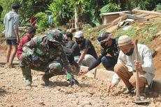 Semangat Abah Dayat, Bahu-membahu Membangun Jalan Bersama Tentara