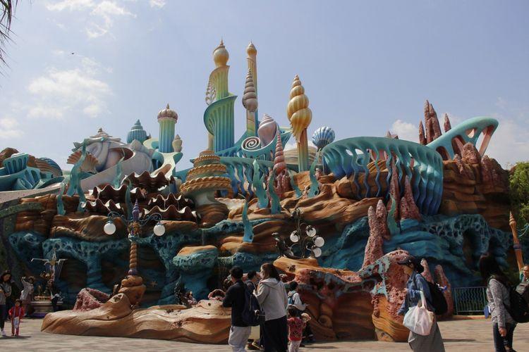 Salah satu wahana yang ada di zona Mermaid Lagoon di Tokyo Disney Sea.