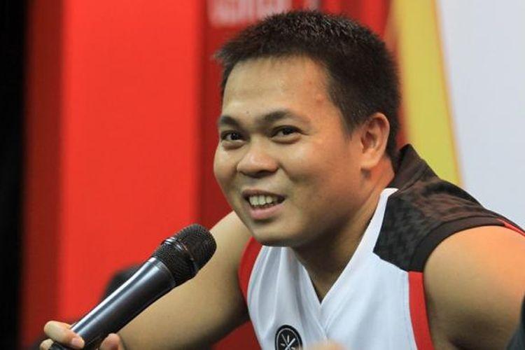 Pebulu tangkis Jaya Raya, Markis Kido, berbicara kepada media pada konferensi pers Djarum Superliga Badminton 2015 di Denpasar, Bali, Senin (26/1/2015).