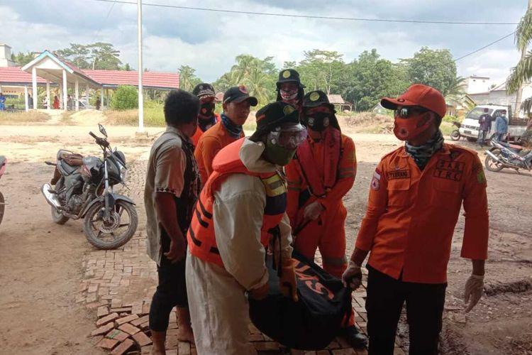 Irwandry (36), pengemudi speeboat merk Semoga Abadi 04 yang ditemukan tewas akibat mengalami kecelakaan di Sungai Lalan, Desa Agung Jaya, Kecamatan Lalan Kabupaten Musi Banyuasin (Muba), Sumatera Selatan, Jumat (4/12/2020).