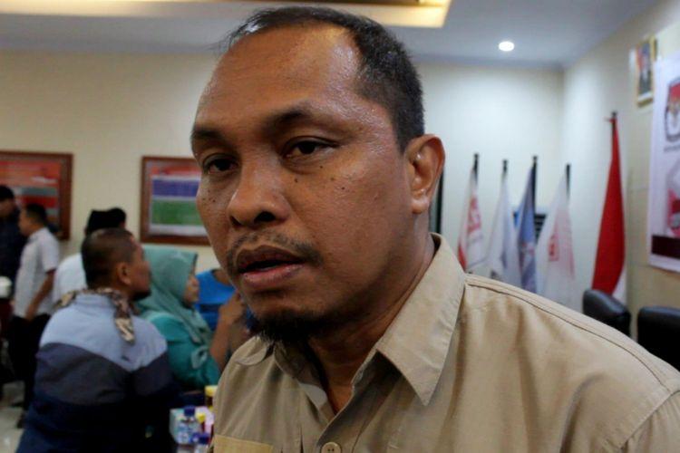 Uslimin, Komisioner KPU Sulsel, saat berada di KPU Palopo