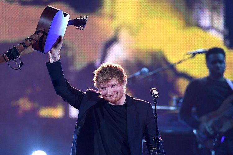 Penyanyi Ed Sheeran tampil di panggung iHeartRadio Music Awards 2017 di The Forum, Inglewood, California, pada 5 Maret 2017.