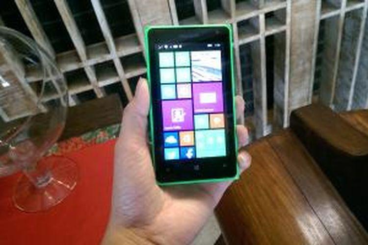 Lumia 435 dilengkapi dengan kemampuan mendukung dua kartu SIM sekaligus