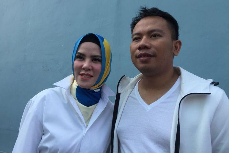 Angel Lelga dan Vicky Prasetyo ditemui dalam sebuah acara di kawasan Tendean, Jakarta Selatan, Senin (9/7/2018).