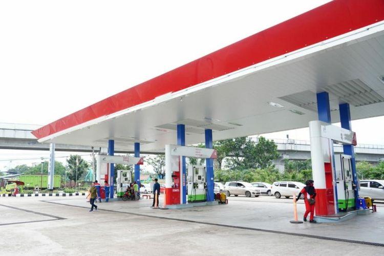 Bahan bakar minyak (BBM) jenis Premium tetap tersedia di Stasiun Pengisian Bahan Bakar Umum (SPBU) Pertamina