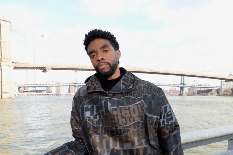 Bintang Black Panther Chadwick Boseman berfoto di The Fulton, New York City, pada 19 November 2019.