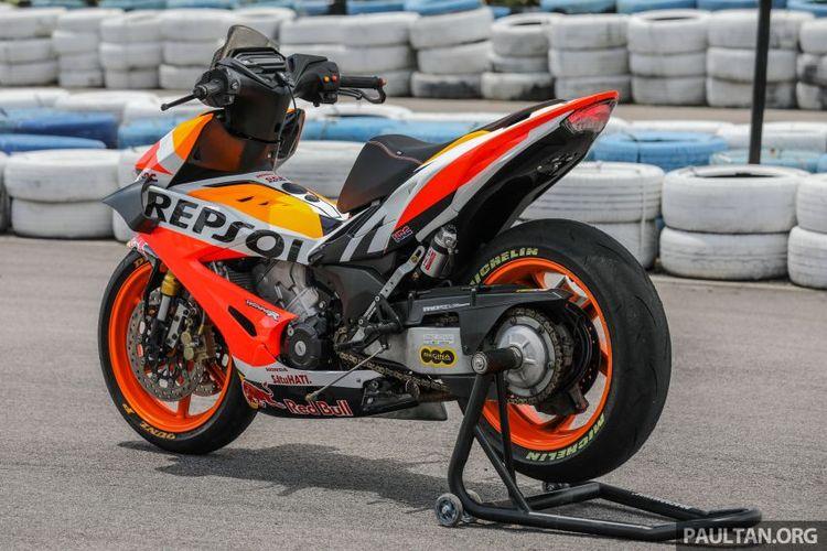 Honda RS150R replika motor MotoGP Honda RCV oleh Gang Tayar Besar (GTB) asal Malaysia
