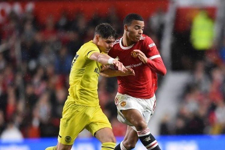 Manchester United melawan tim promosi, Brentford, di laga uji coba pramusim 2021-2022.